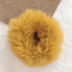 Okkersárga szőrös hajgumi