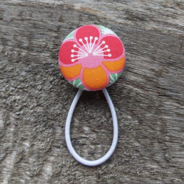 Virágos gomb hajgumi